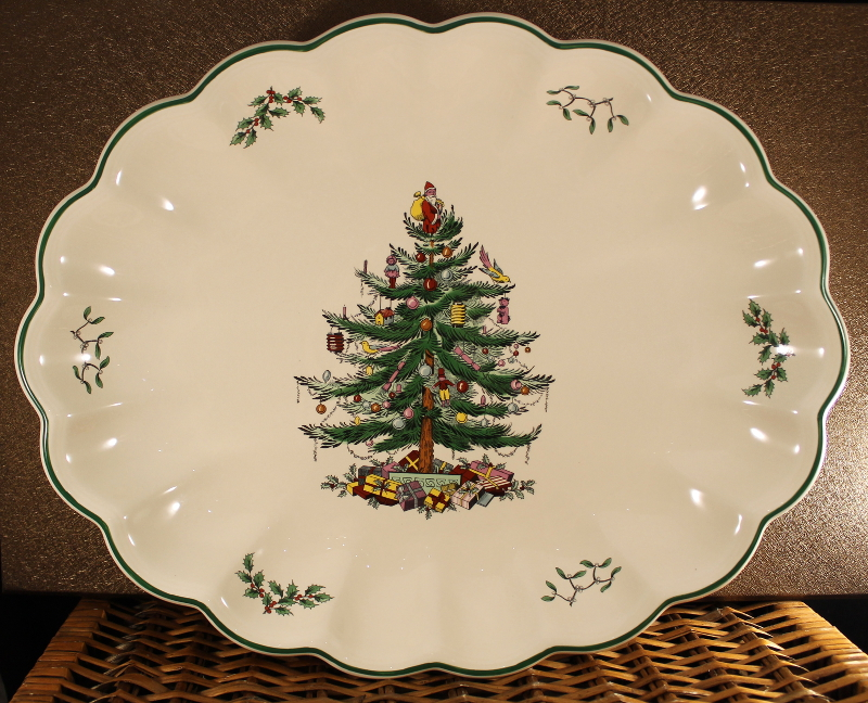 "SPODE CHRISTMAS TREE -- 15-1/2"" OVAL SCALLOPED SERVING"